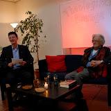 Theologische Lounge auf dem blauen Sofa -