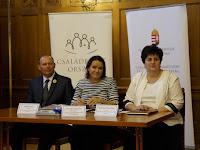 Pataki János, Novák Katalin, Radnainé Filep Ildikó.JPG