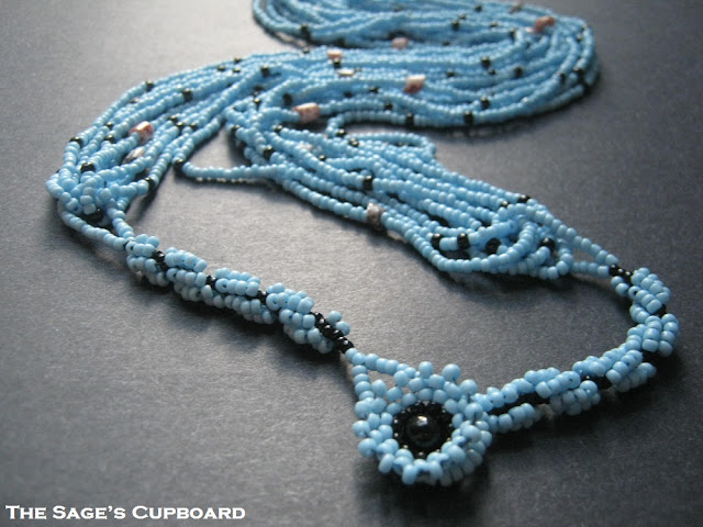 Metal-free Multistrand Necklace Technique