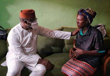 Fayemi Meets Widow Of Olasunkanmi Olawunmi Killed In Abuja Crash (Photos)