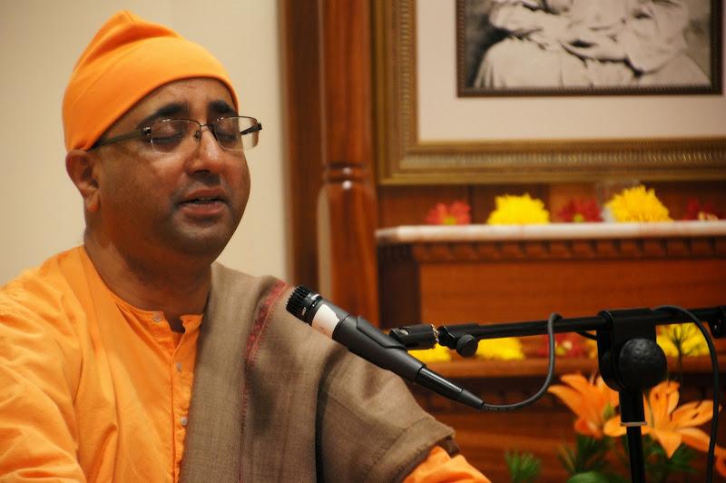 Swami Atmajnananda performed devotional songs.