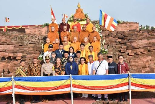 Bupati Karawang Hadiri Peringatan Waisak di Candi Blandongan Batu Jaya