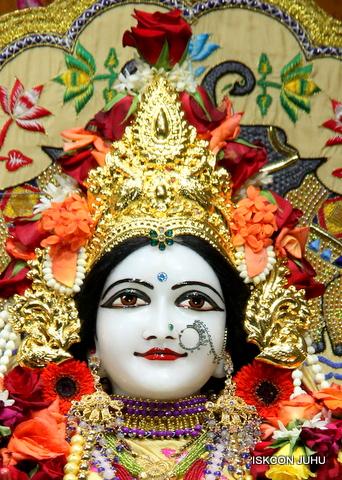 ISKCON Juhu Sringar Deity Darshan on 5th Sep 2016 (32)