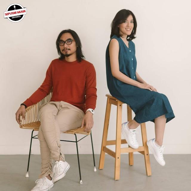 Mengidolakannya sejak SMP, Akhirnya Ify Alyssa merilis single terbaru berjudul Dua Insan berkolaborasi dengan Adhitia sofyan
