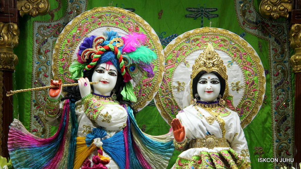 ISKCON Juhu Mangal Deity Darshan on 1st Jan 2016 (28)