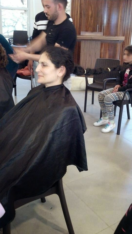 Donating hair for cancer patients 2014  - 1947359_539643086151989_1649481380_n.jpg