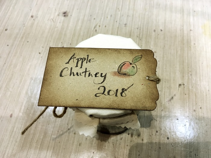 03 Apple Chutney Tie-On Label