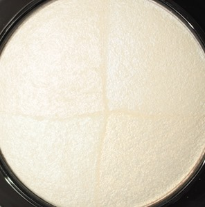 BarelyDressedMineralSkinfinishMAC6