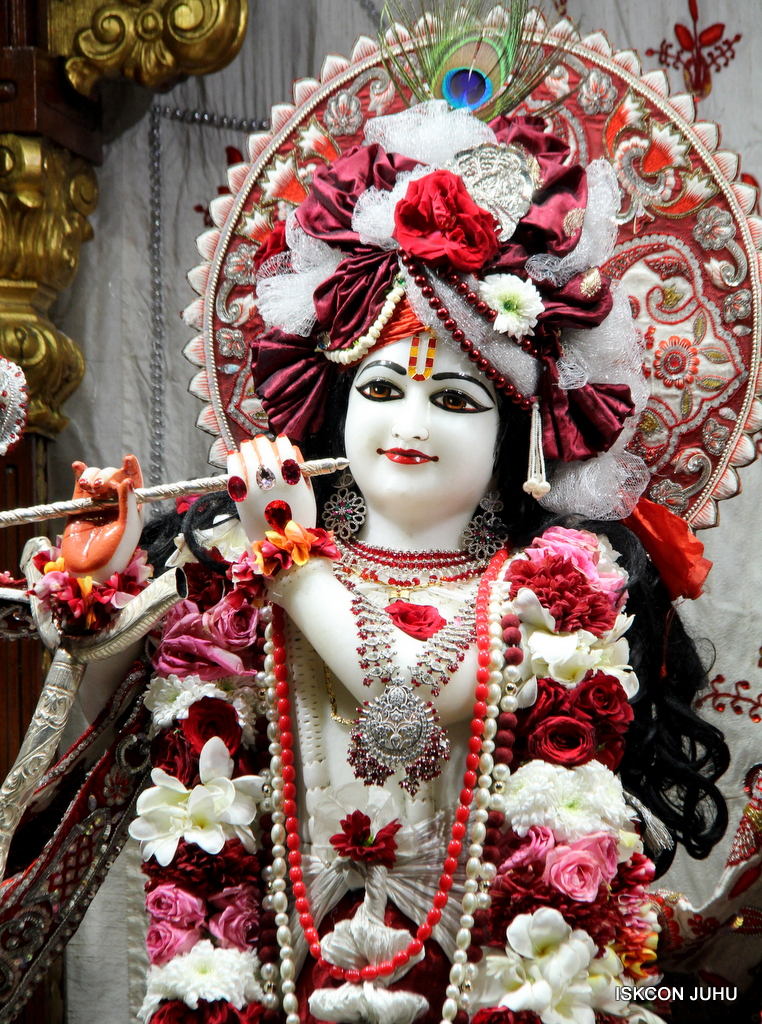 ISKCON Juhu Sringar Deity Darshan on 30th Sep 2016 (28)
