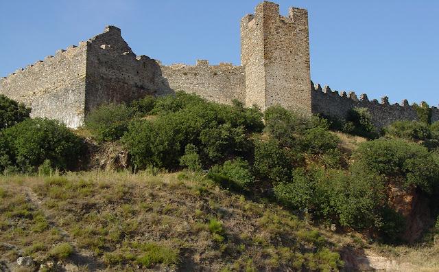 Castillo de Cornatel.jpg