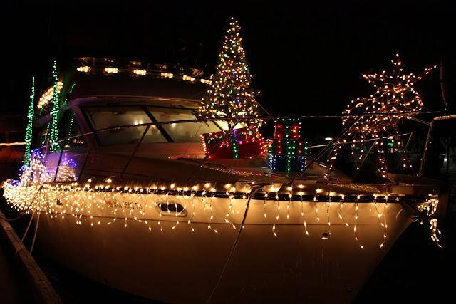 2009 Christmas Boat Parade - IMG_2691.JPG