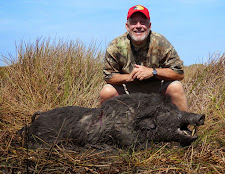 Mr Kevin Walkup, USA with a nice old hog from Carmor Plains