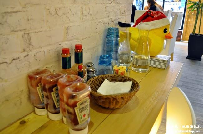 The Baker焙客早午餐醬料、水杯、餐巾自行取用