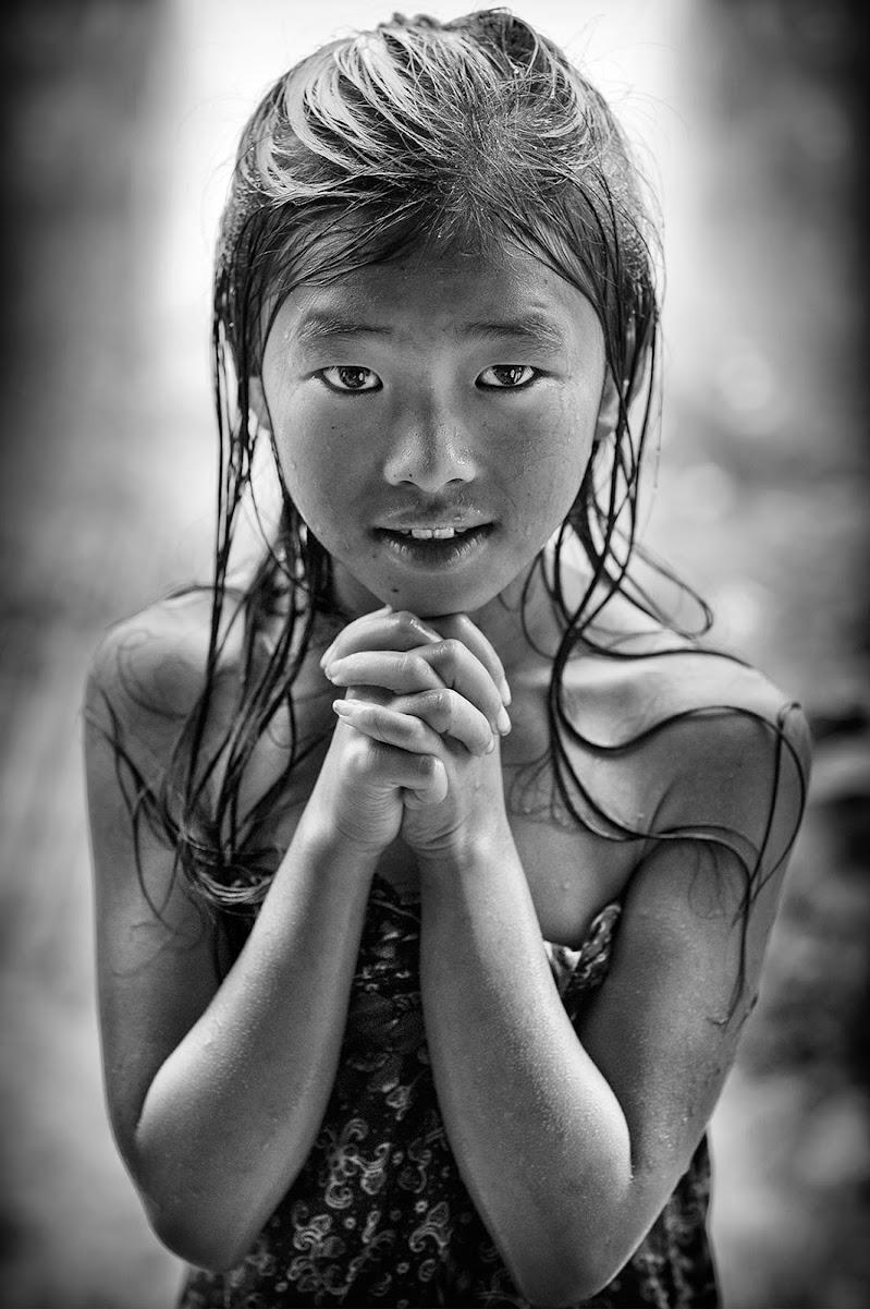 Praying in the rain di Alexx70