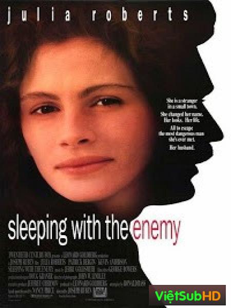 Ngủ với kẻ thù