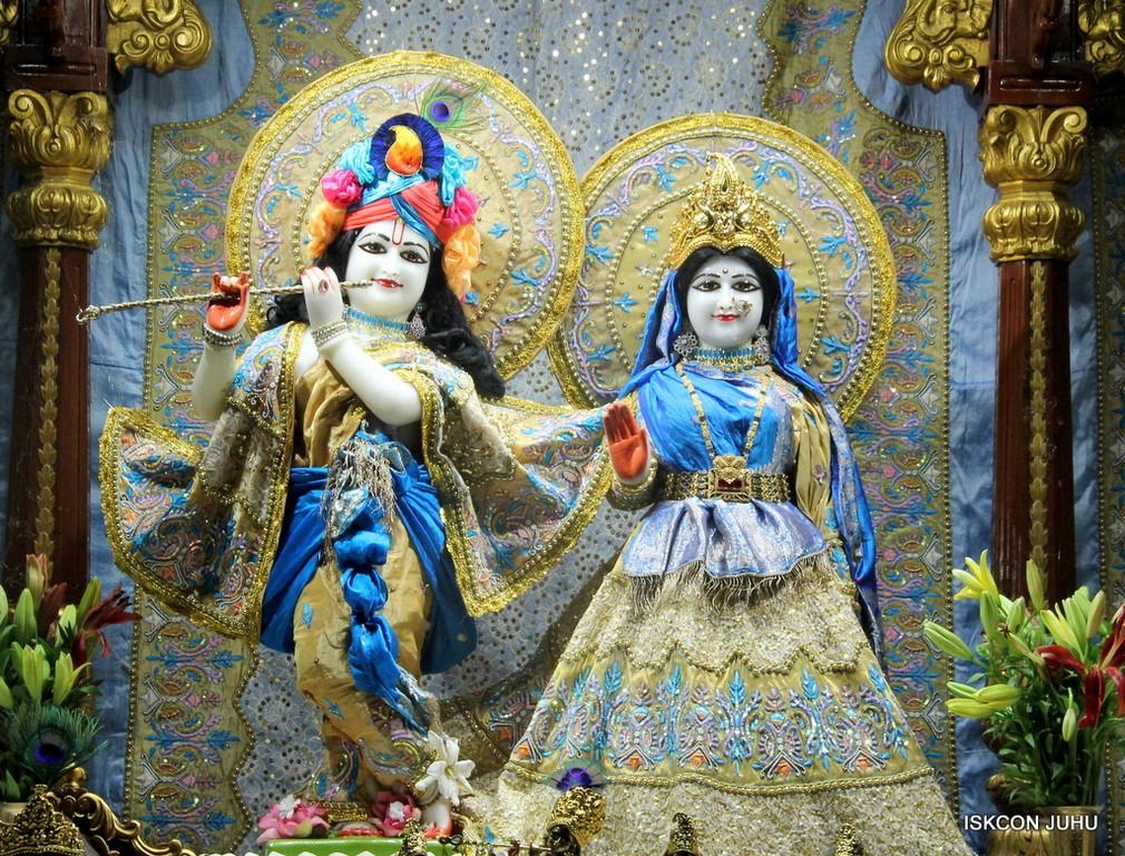 ISKCON Juhu Mangal Deity Darshan on 24 April 2016 (1)