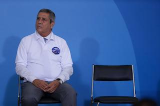 Cúpula militar volta a se incomodar com Bolsonaro