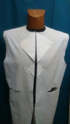 Veste steampunk avec double col tailleur, fente dans le dos et poches
