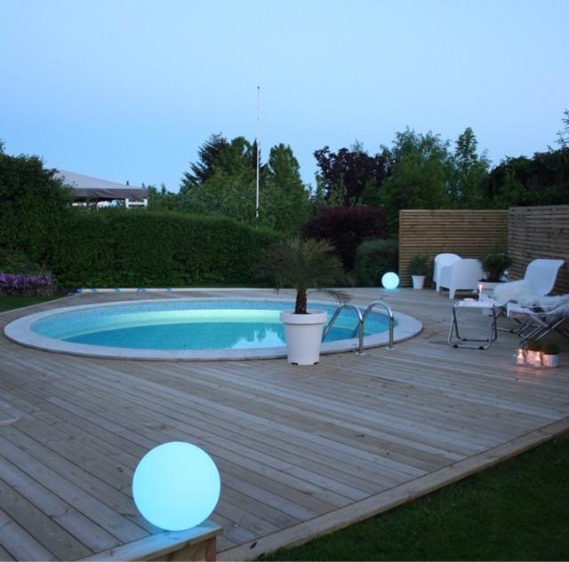 altan med inbyggd pool
