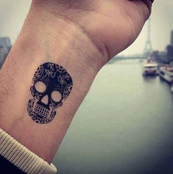 açcar_crnio_tatuagem_no_pulso