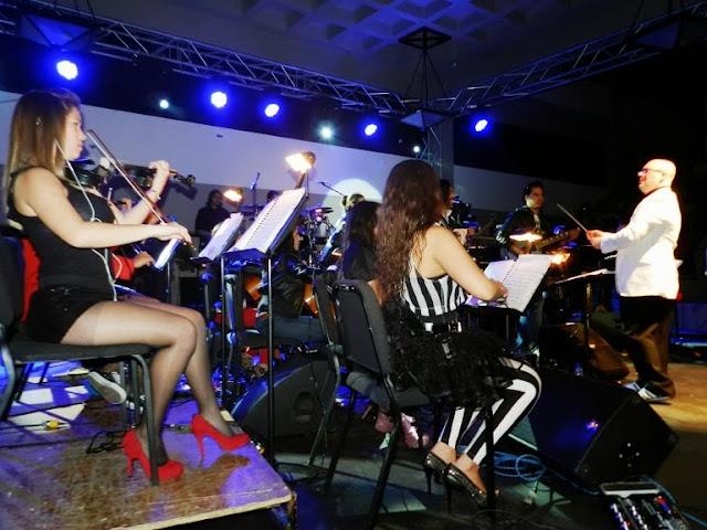 El violín eléctrico fue uno de los instrumentos que causó sensación, por ser distinto al clásico tradicional