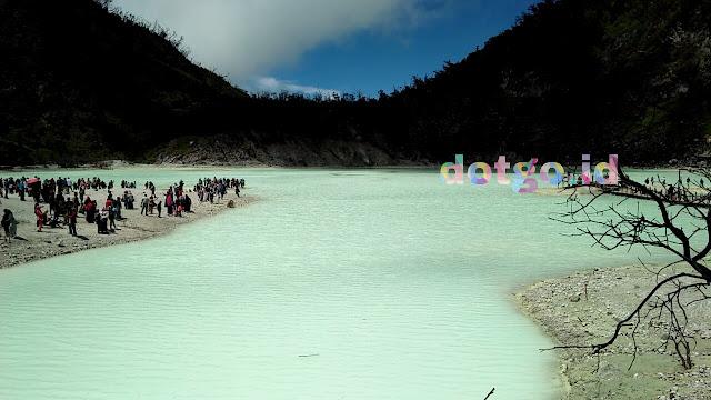 Kawah putih gunung patuha yang eksotis dan berubah warna, terbentuk sejak zaman purba