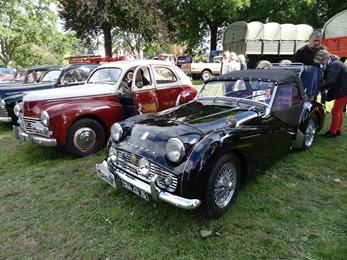 2017.09.17-010 Peugeot 203 et Triumph