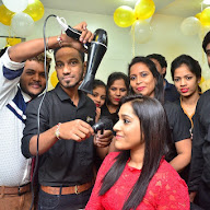 Rashmi Gautam Launches Be You Salon at Kondapur