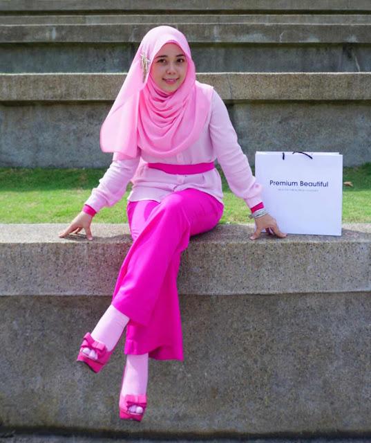 premium beautiful UIA Gombak, Pink Dress muslimah ootd-salleha roslan-korset PB-rawatan slip disc-nak kurus sihat selamat cepat
