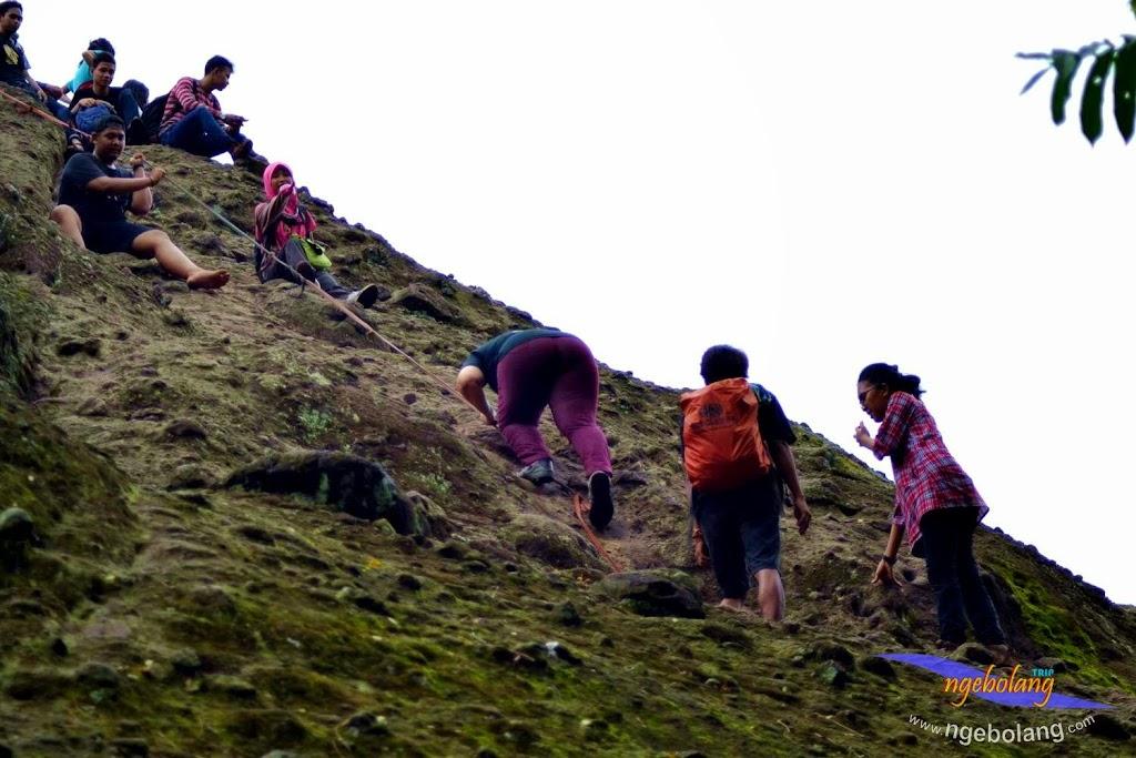 Gunung Munara nikon 8 Maret 2015 01