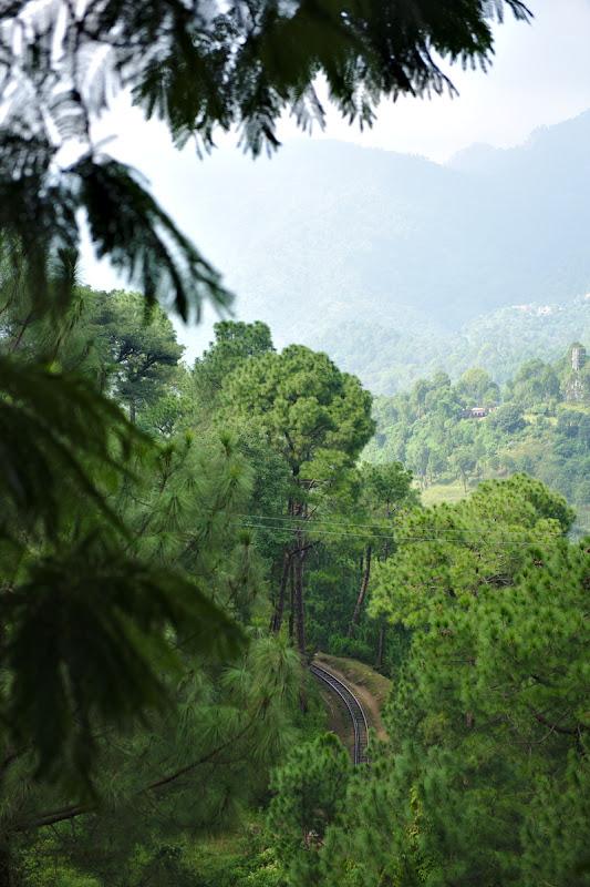 Calea ferata catre Shimla, pe langa care am pedalat pret de doua zile.