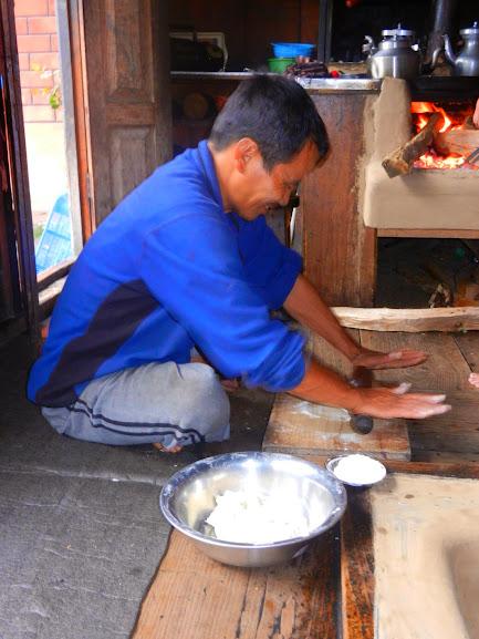 A Gyalsumdo Man Cooks