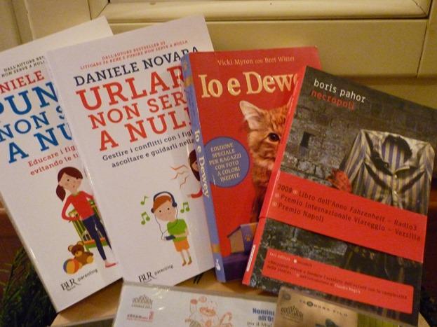 Donazione libri e dvd biblioteca Natale 2017 (4)
