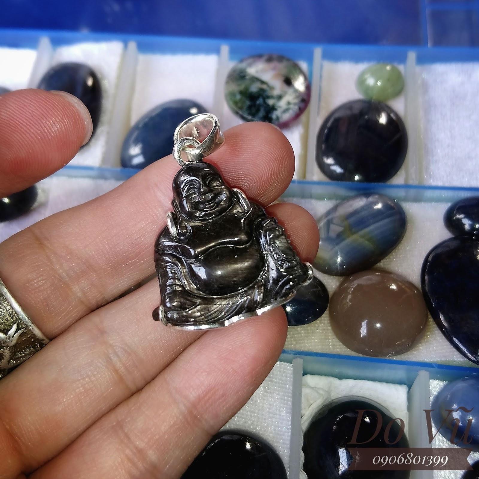 Phật Di Lạc Sapphire thiên nhiên có sao, bọc bạc cao cấp