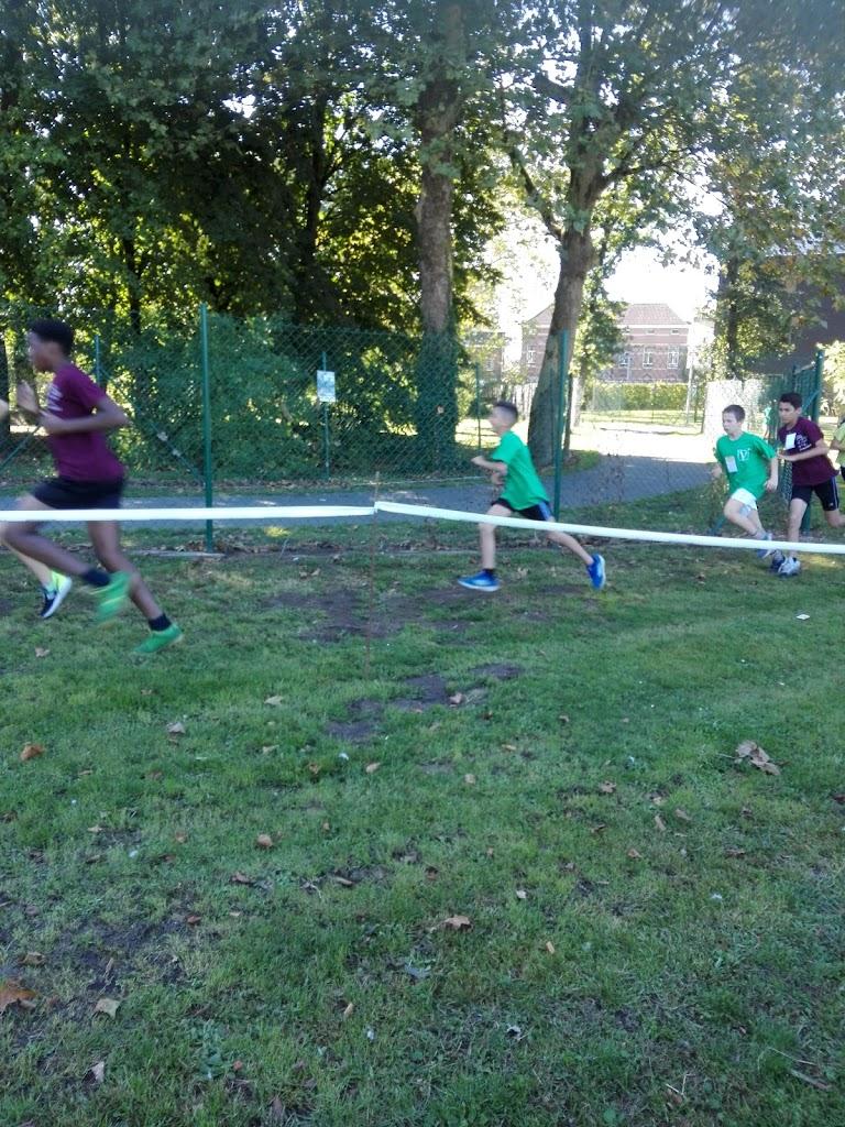 Ara klas (rode parel Basisaanbod) neemt deel aan scholenveldloop in Lokeren 26-09-2018 - IMG_20180926_151819.jpg