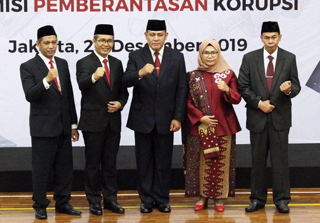 Di Tengah Wabah Korona, Pimpinan KPK Minta Naik Gaji Rp 300 Juta