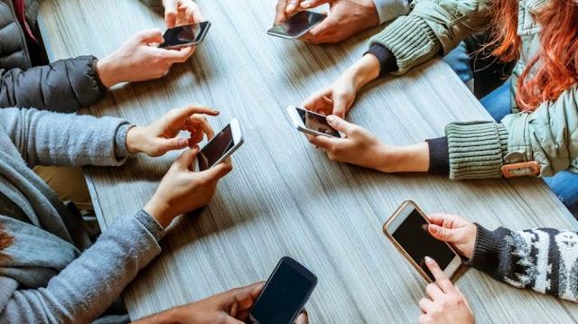 Her 4 gençten birinde Smartphone kullanımı bağımlılık düzeyinde