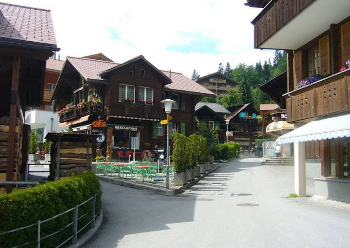 Деревня Венген в Швейцарии 9