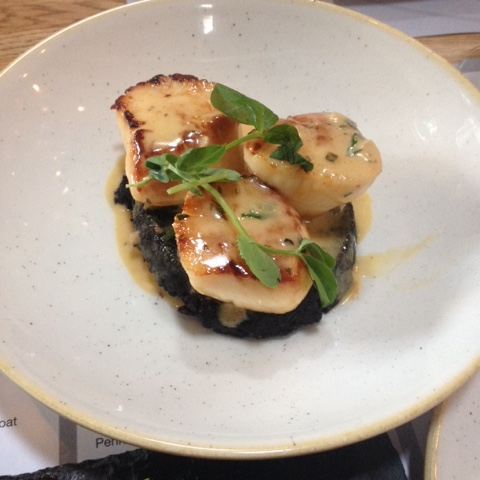 The Black Dove Scallops and Stornoway black pudding