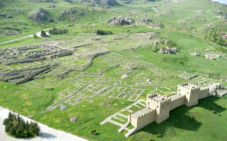 Near East: Hittite village to be 'recreated' in Hattusha
