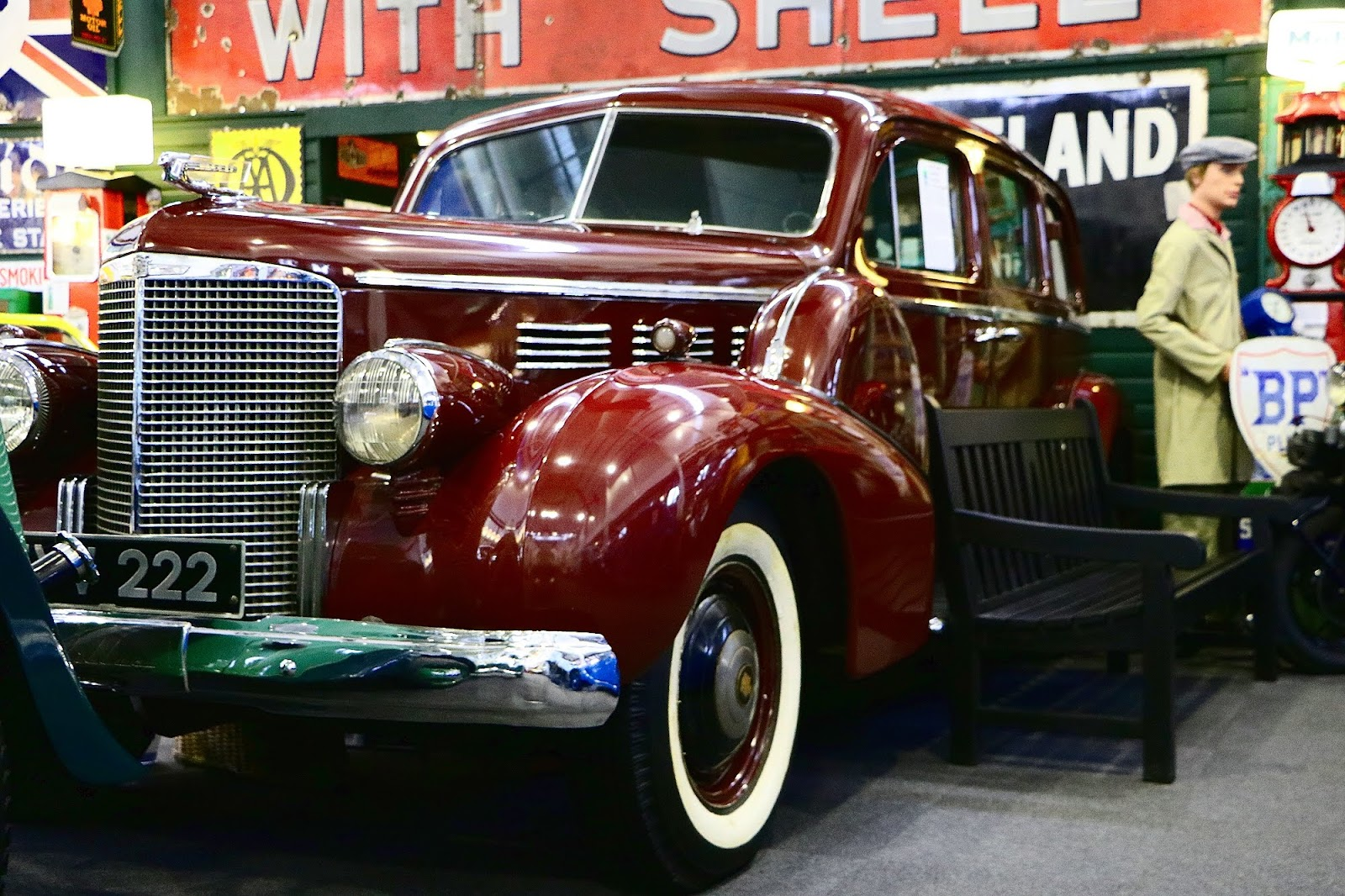 1938 Cadillac 75 Fleetwood Limousine.jpg