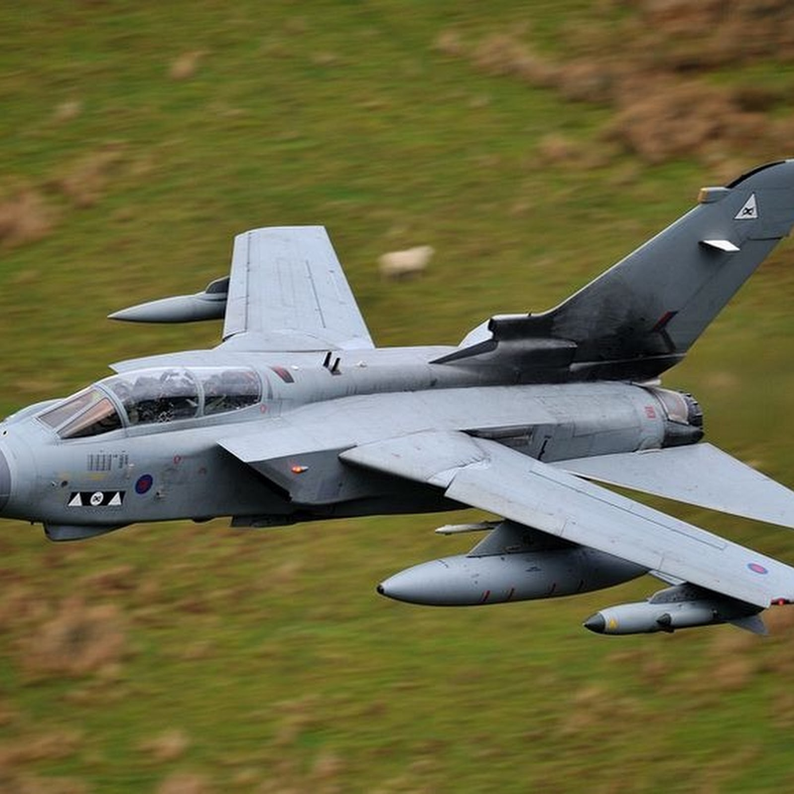 Mach Loop: The Valley of Fighter Jets