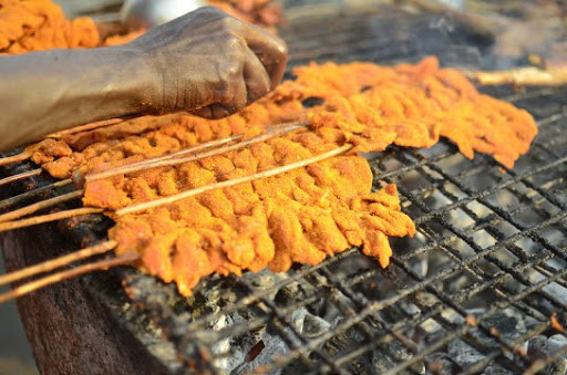 See The 5 Interesting Reasons Why Suya Is Prepared In The Evening