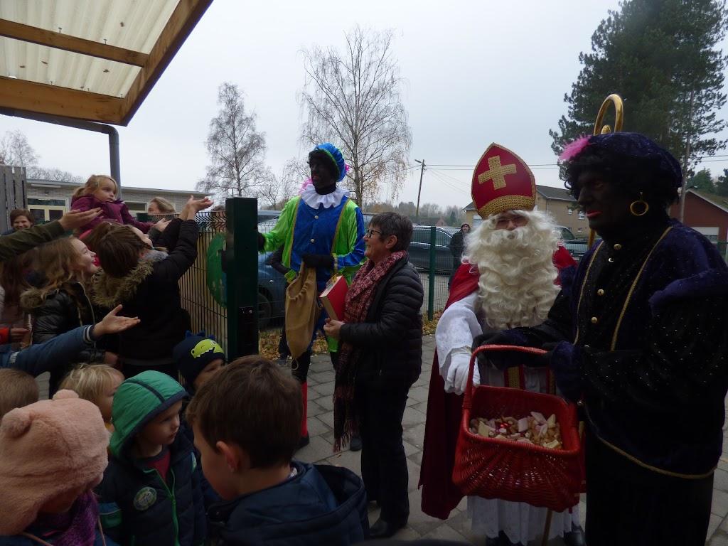Sinterklaas op bezoek - P1060464.JPG