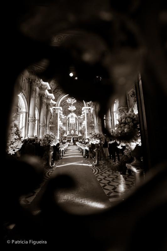 Foto de casamento 0854pb de Ana e Joao. Marcações: 29/10/2011, Casamento Ana e Joao, Igreja, Igreja Sao Francisco de Paula, Rio de Janeiro.