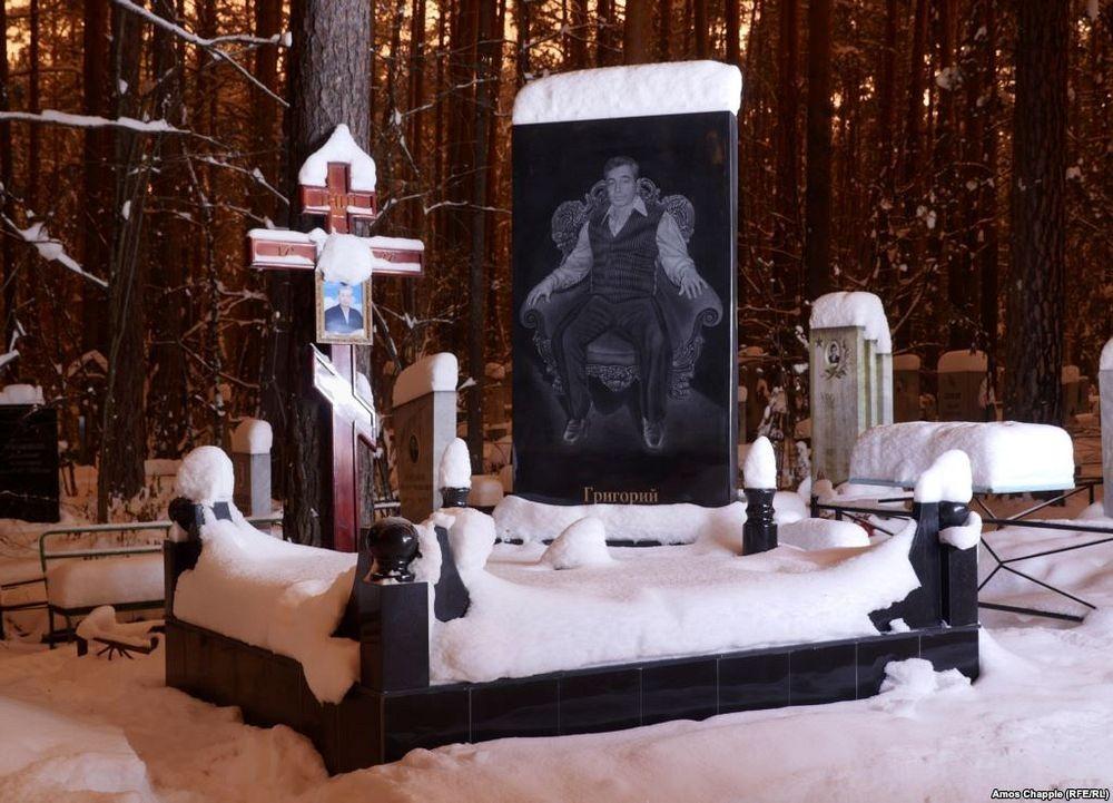 gangster-cemetery-yekaterinburg-8