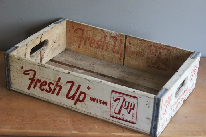 Fresh-Up 7-Up crate available for rent from www.momentarilyyours.com, $4.