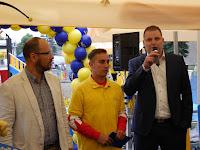05 Štefan Gregor, Ipolyság polgármestere és Radoslav Leško, az üzletlánc kereskedelmi igazgatója .JPG