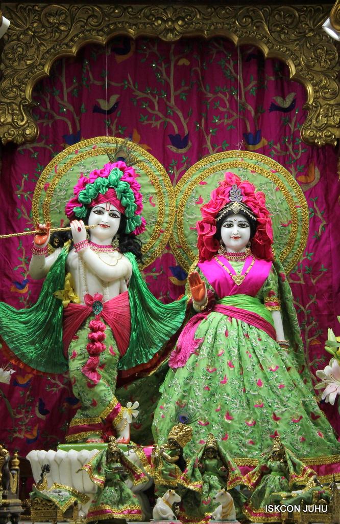 ISKCON Juhu Mangal Deity Darshan on 23rd Oct 2016 (26)