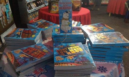 Warehouse Sale Books, announcement, books, simple pleasures, tips + tricks, Scholastic, Scholastic Warehouse Sale
